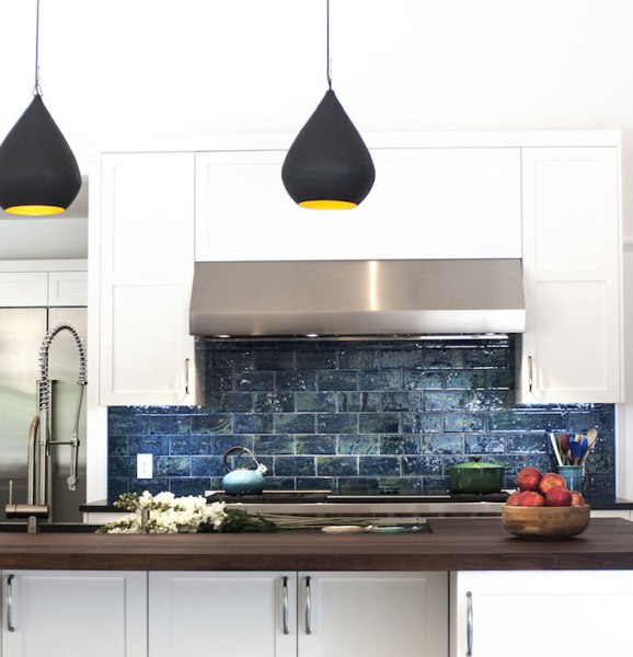 Contemporary Kitchen Designed With Undermount Sink And Led: Undermount White Kitchen Sink
