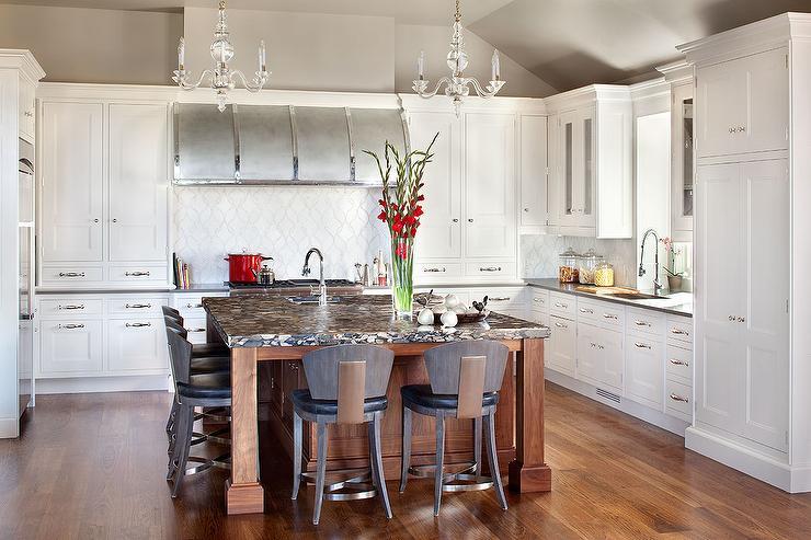 Transitional  kitchen  Benjamin Moore Affinity Wish