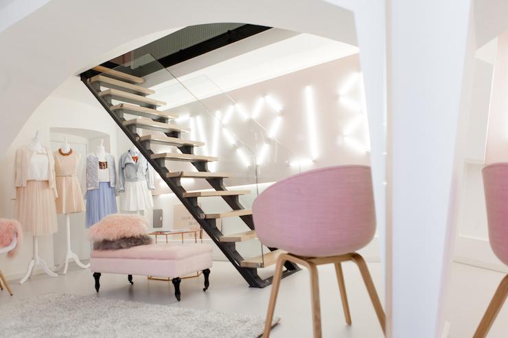 Acrylic Staircase Railing Design Ideas
