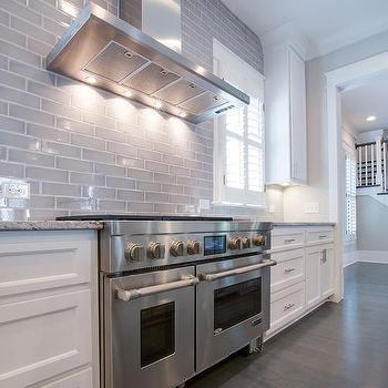 Ceiling Height Backsplash Design Ideas