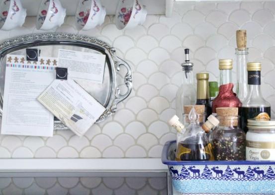 Fan Shaped Kitchen Backsplash Design Ideas