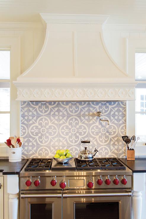 Quatrefoil Backsplash Tiles Design Ideas