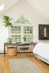Bedroom Desk Below Window - Cottage - Bedroom