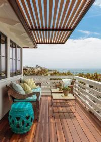 Second Floor Balcony with Pergola - Cottage - Deck/patio