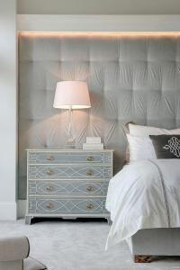 Gray Velvet Tufted Fabric LIned Wall as Headboard ...