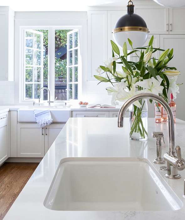 White Porcelain Island Sink with Hicks Pendant