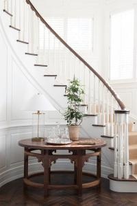 Curved Staircase Wall with Round Table - Transitional ...