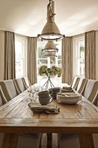 Taupe Dining Room with Bay Window - Cottage - Dining Room