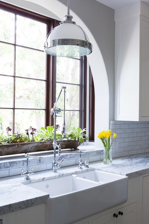 kitchen sink with backsplash tall garbage can galvanized tub design ideas