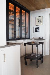 Glass Front Bar Cabinets Design Ideas
