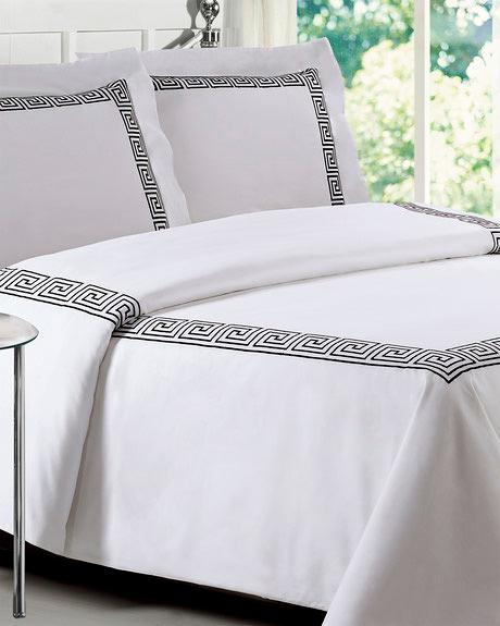 Black and White Loft 21 Greek Key Comforter Set