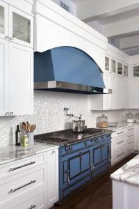 Gray Lacquered Kitchen Cabinets with White and Silver Oval ...