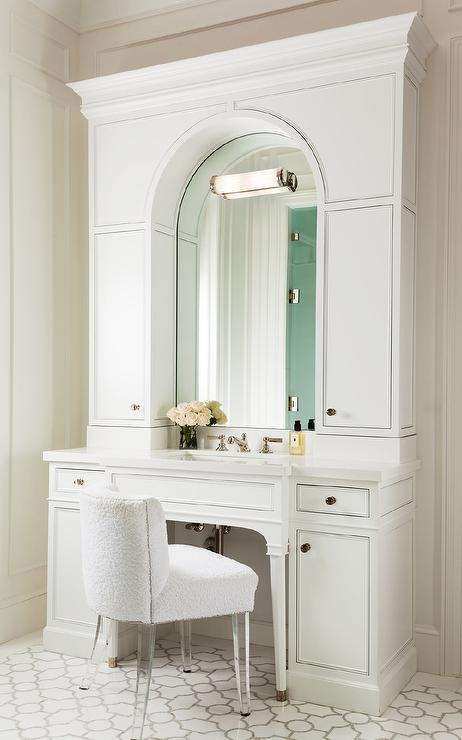 White Bath Vanity with Arched Mirror and White Terry Cloth