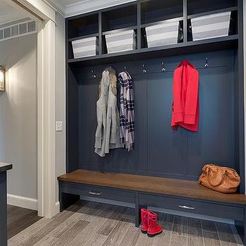 Long Country Style Mudroom With Open Lockers And Striped