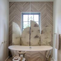 Tub Nook with Herringbone Tiled Accent Wall - Contemporary ...