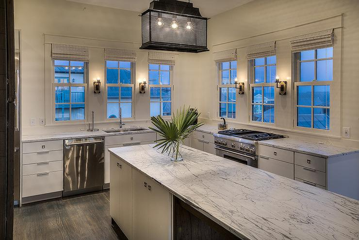 Kitchen With A Lot Of Windows Design Ideas