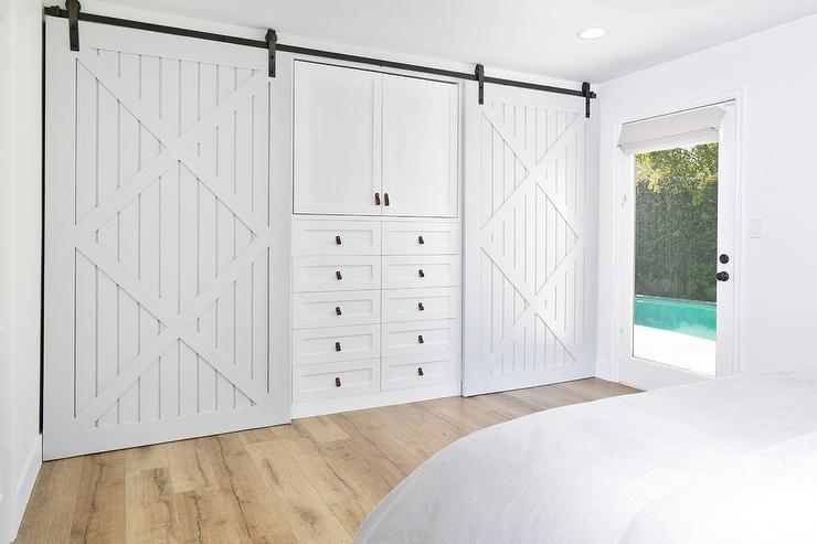 Light Gray Bedroom Closet Doors Design Ideas