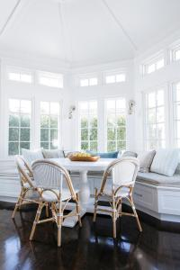 Bay Window with Built In Dining Bench - Transitional ...