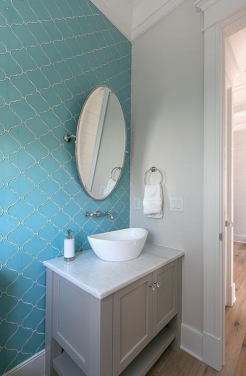 Gray Arabesque Bath Tiles Design Ideas