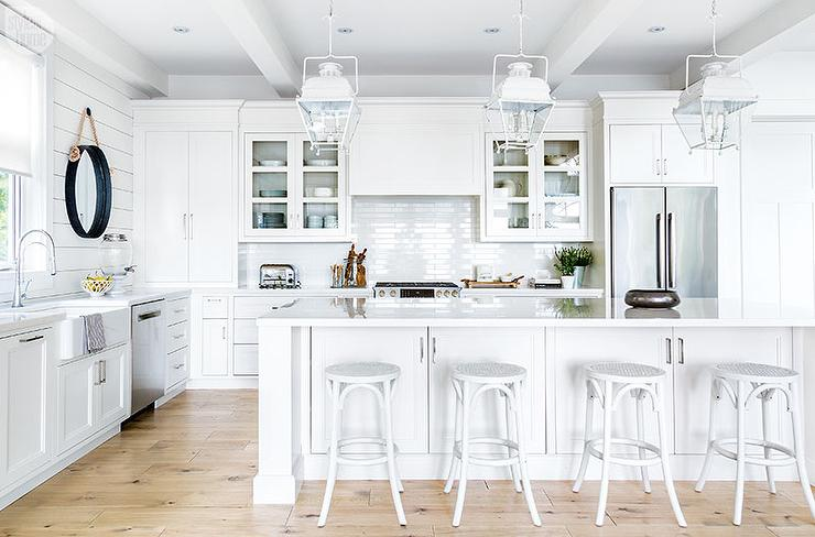 kitchen sink farmhouse baskets white cottage island with french backless ...