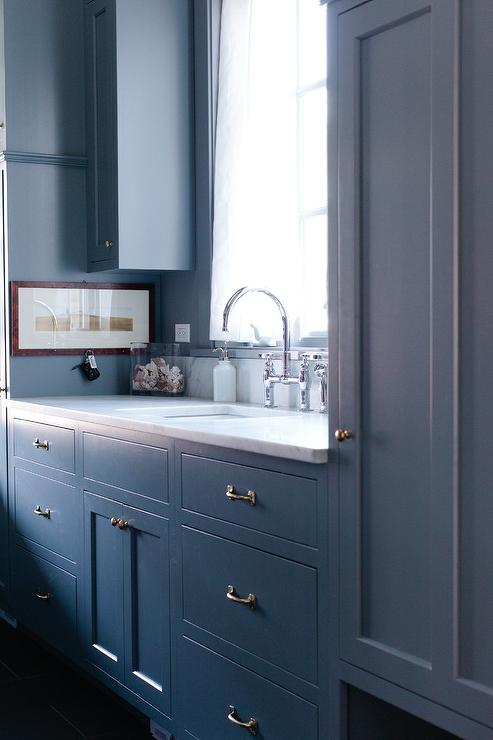 kitchen sink with backsplash exhaust interior design inspiration photos by jean stoffer design.
