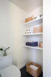Floating Bathroom Shelves - Contemporary - bathroom - The ...