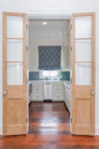 Glass Bifold Pantry Doors Design Ideas