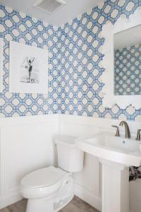 Phillip Jeffries Imperial Gates Periwinkle Wallpaper in