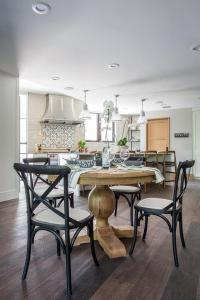 White Pedestal Dining table - Transitional - dining room ...