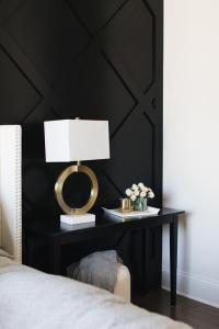Bedroom Black Accent Wall Design Ideas