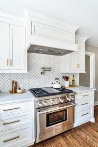 Red Brick Herringbone Kitchen Cooktop Backsplash ...