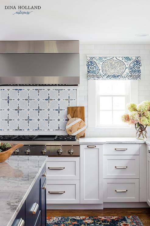 White and Blue Mosaic Cooktop Backsplash Tiles