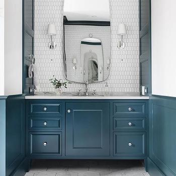 white picket bathroom backsplash tiles
