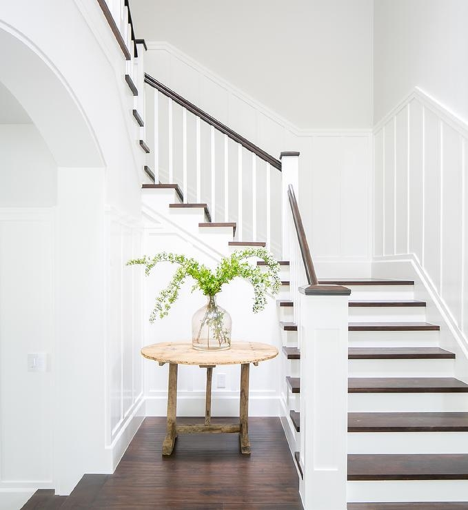 White And Brown Staircase Design Ideas | White Wood Stair Railing | Entryway Stair | Metal | Outdoor Stair | Baluster Curved Stylish Overview Stair | Glass