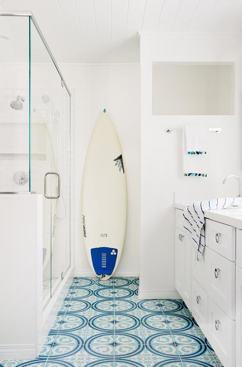 turquoise blue medallion bath floor
