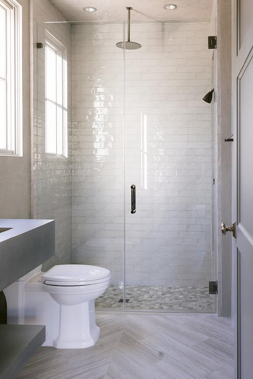 white glazed shower tiles with ceiling