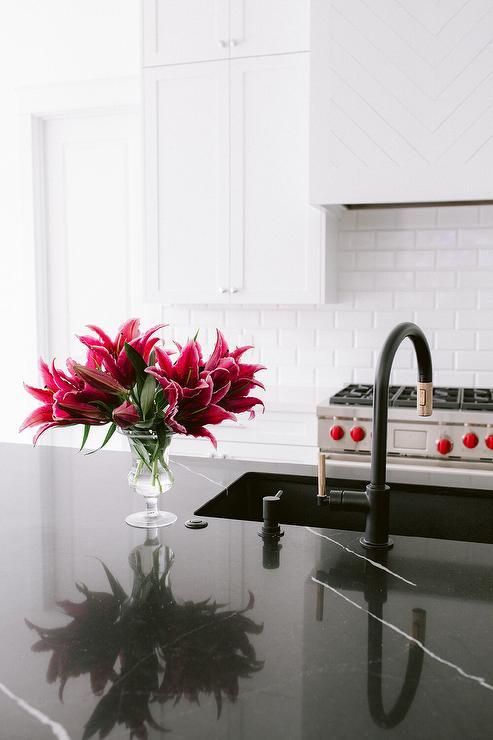 black marble on kitchen island