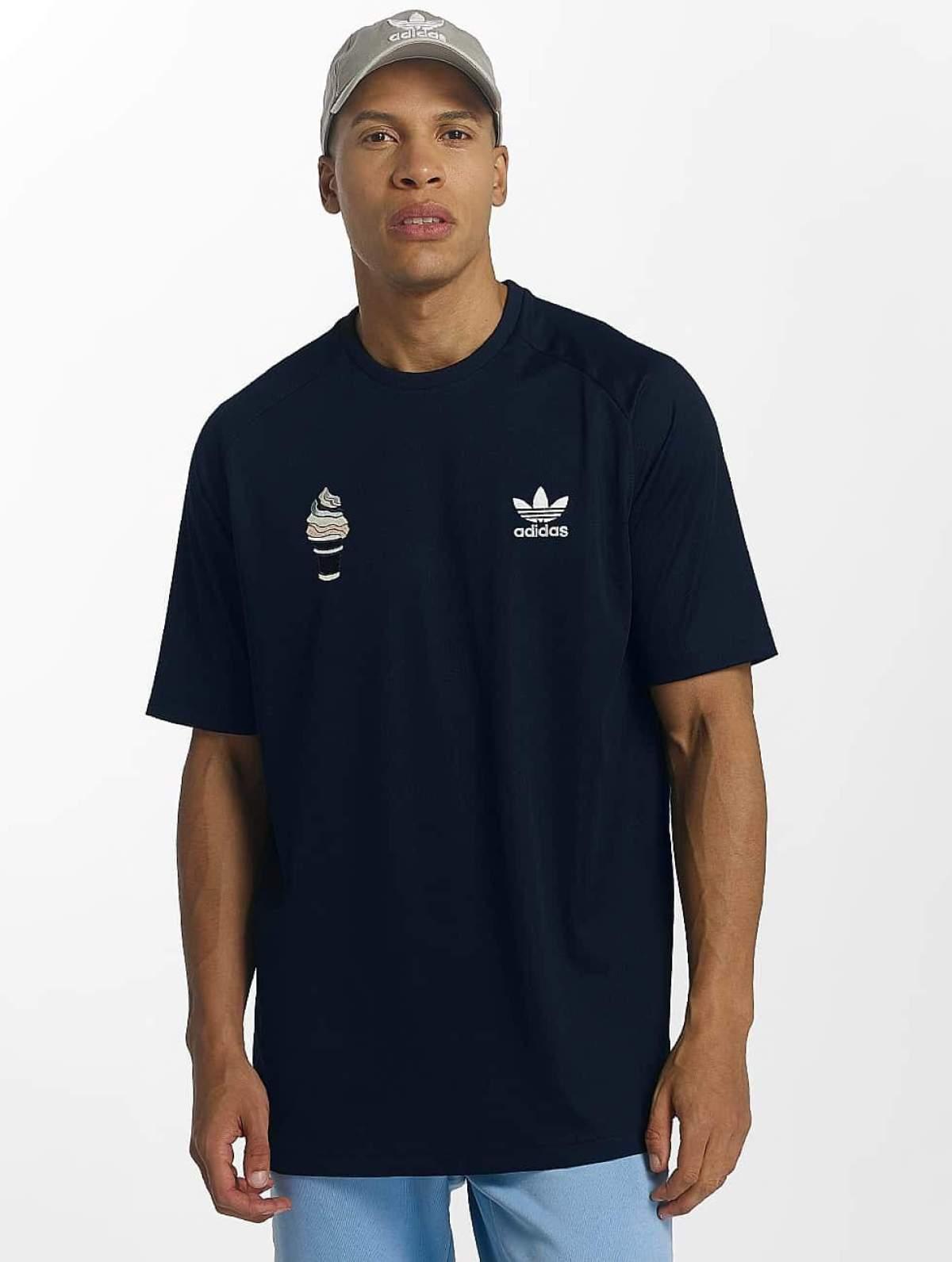adidas originals Männer T-Shirt Football in blau