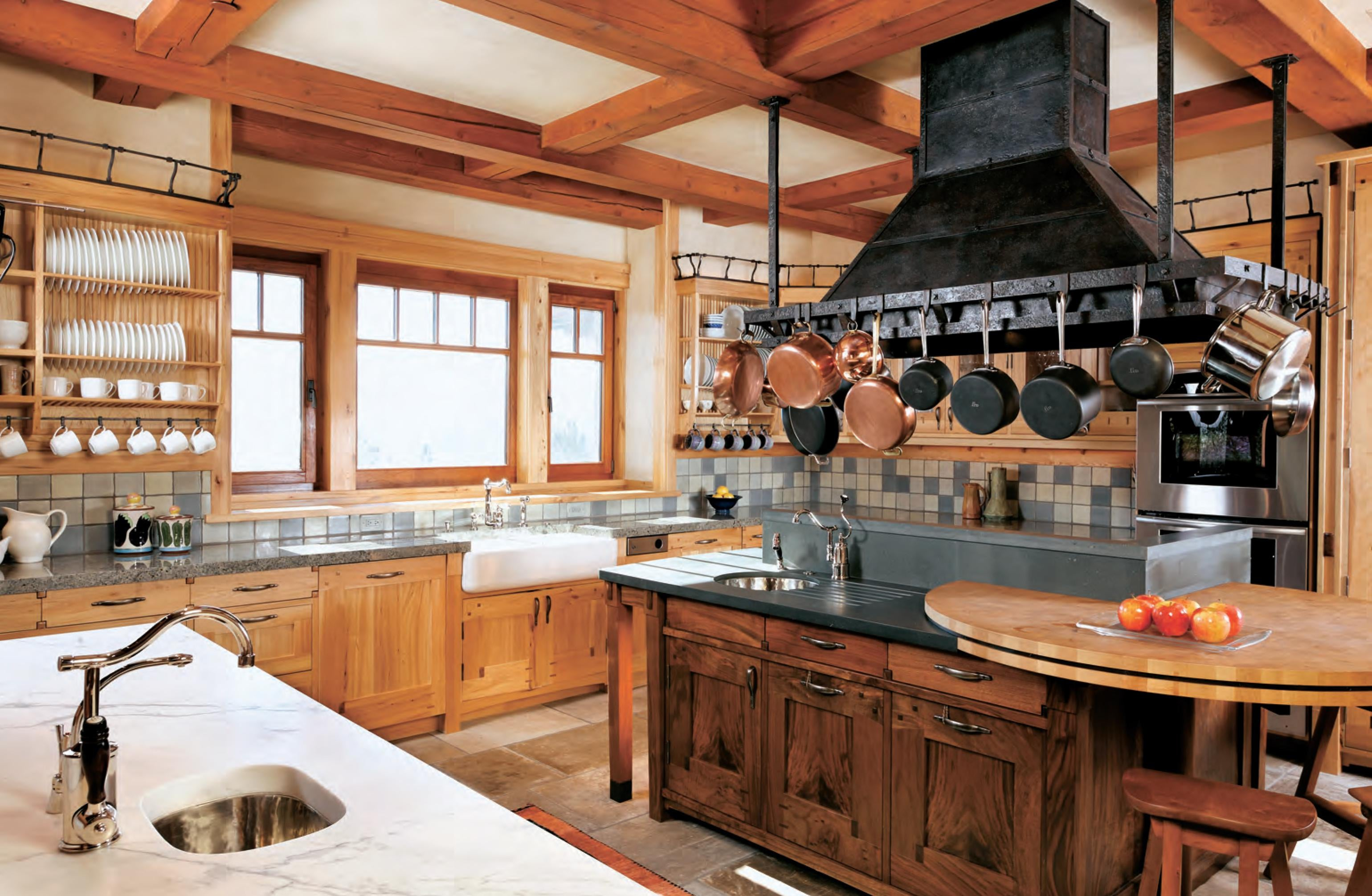 Rustic Mountain Home Kitchen Designs