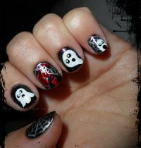 25 Creepy Examples of Halloween Nail Art Designs