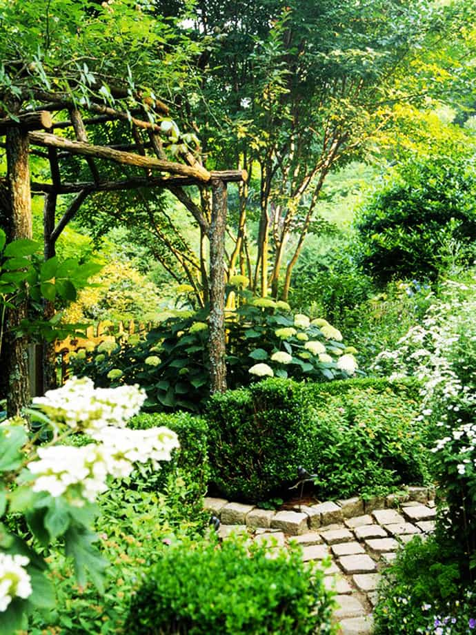 35 Ideas Of How To Make Your Garden A Green Paradise DesignRulz