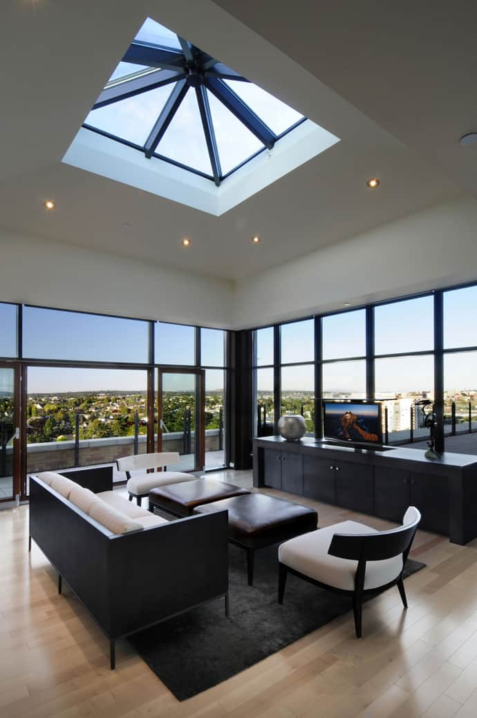 Luxury Penthouse Apartment with 360degree Views Over