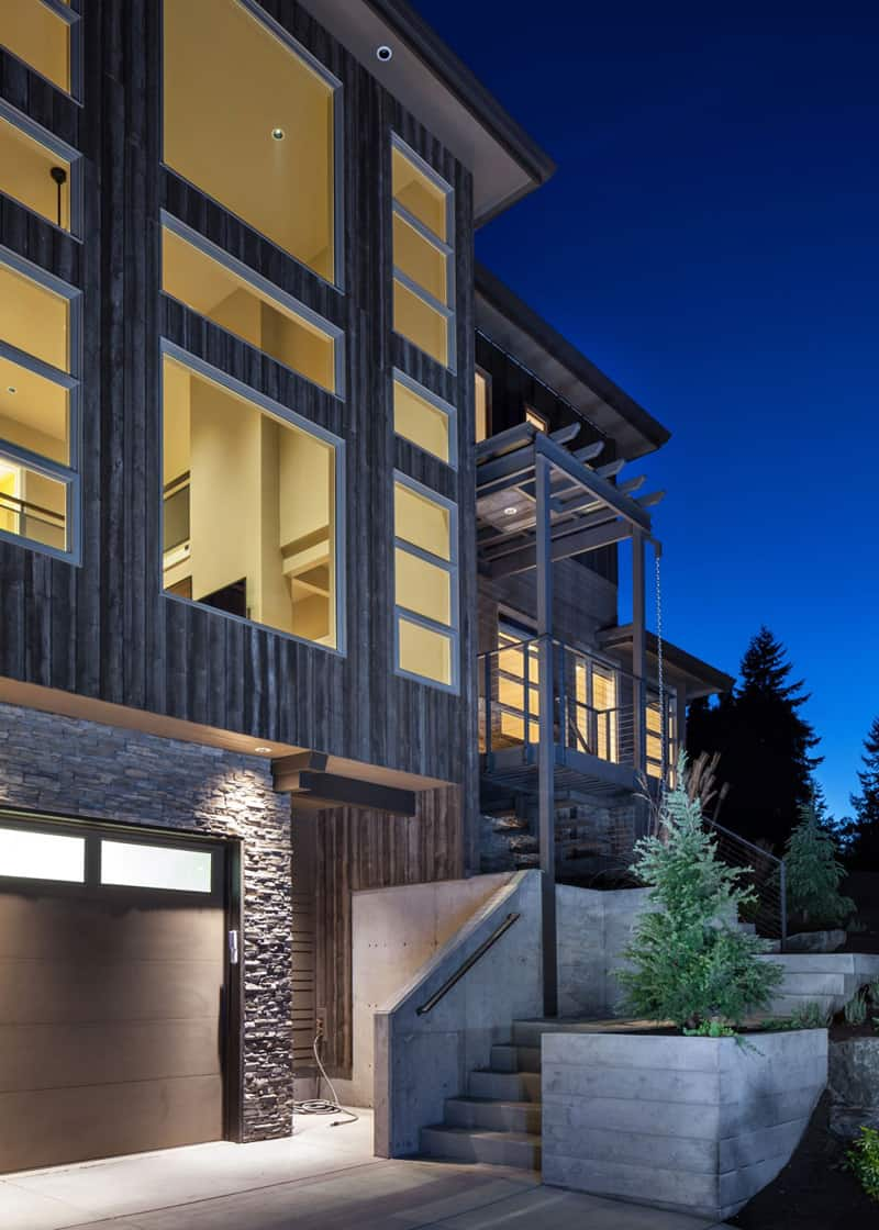 Luxurious Multi Level House Crest Meadows Residence By