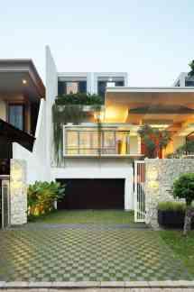 Modern Family House- Static House Jakarta Indonesia
