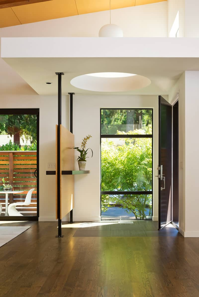 Warm Contemporary Interior Design By Gs Architects Usa