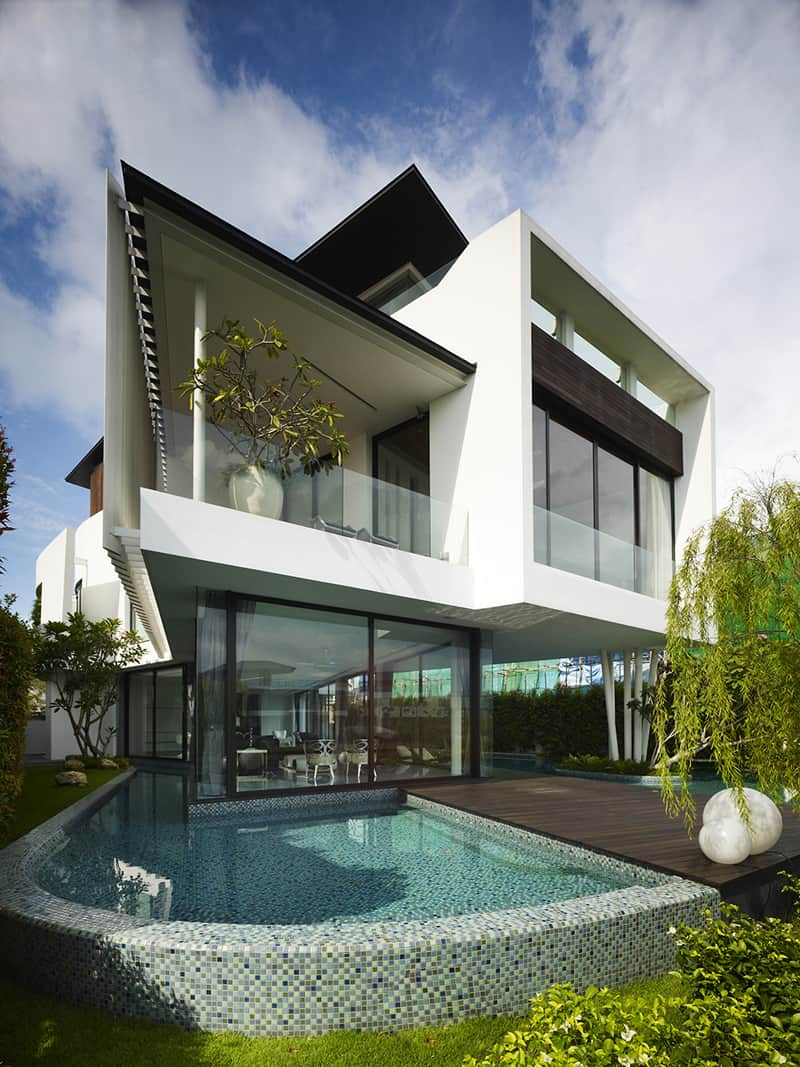 Black and White Interior Design for a Private Luxury Mansion in Singapore
