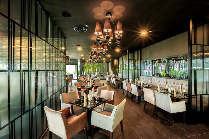 Joie Restaurant Contemporary Chic Interiors With Pretty Views Singapore