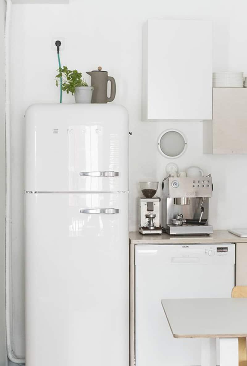 ge artistry kitchen la cornue 7 brands that make colorful retro style refrigerators
