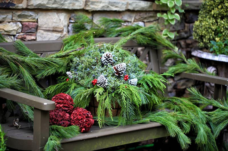 40 Stunning Christmas Porch Ideas DesignRulz