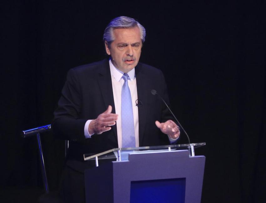 Alberto Fernández quiere que gobierno controle dólar y reservas de cara a la transición